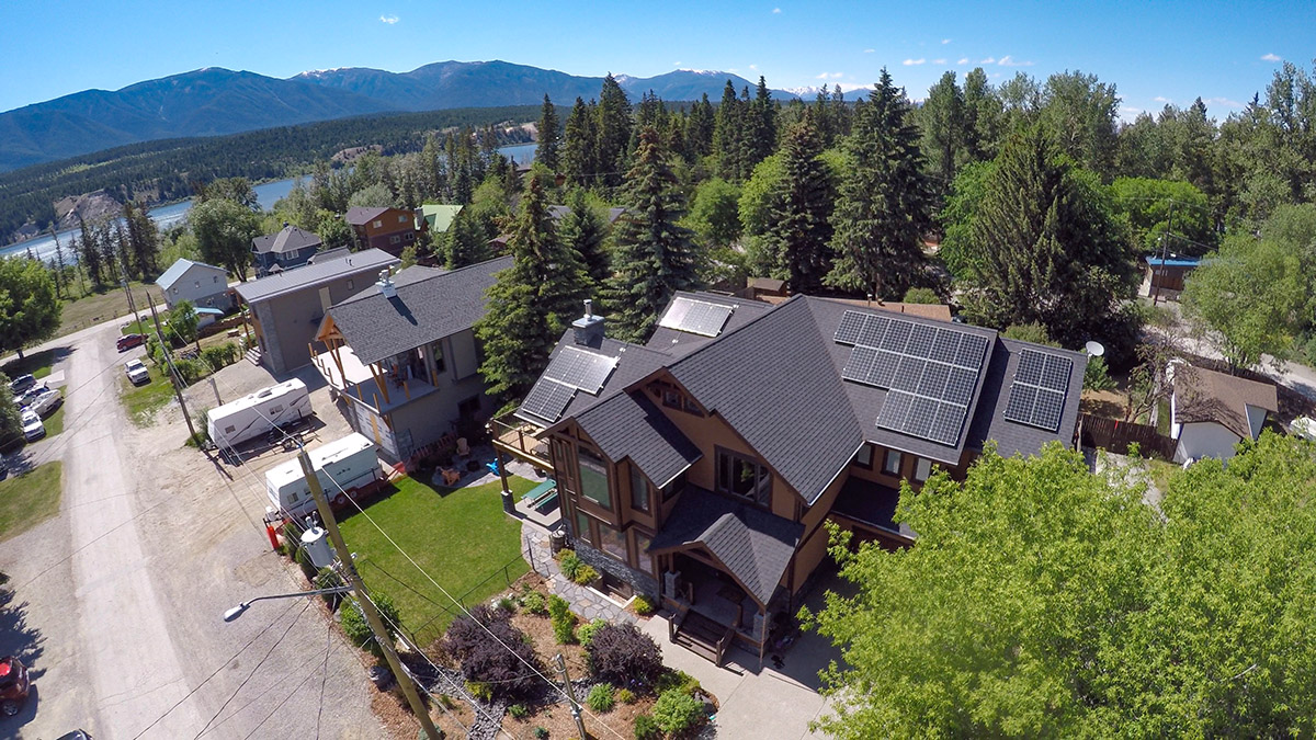 7-93-kW Residential Solar PV in Windermere BC