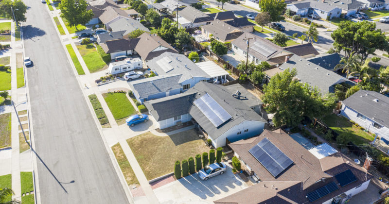 The Differences Between Ground and Roof Solar Panel Installation